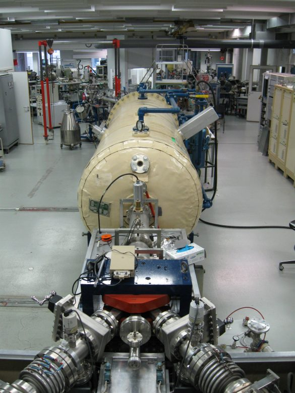 KU Leuven's NEC 5SHD-2 Pelletron linear accelerator, operating at a terminal voltage between 200 kV and 1.7 MV, and equipped with two ion sources (alphatross and SNICS sputter source). © KU Leuven / M. Elskens