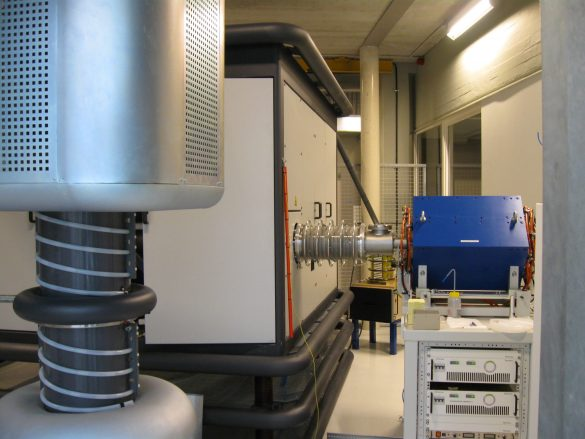KU Leuven's Danfysik high-current implanter (1090 Series) equipped with a Chordis 921A ion source, providing a wide range of ion beams with an energy up to 200 keV. © KU Leuven / M. Elskens